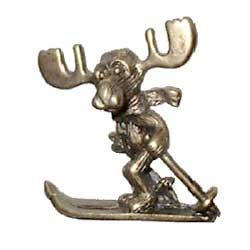 Markie Moose - Alpine Skiing Moose Pin in Gold